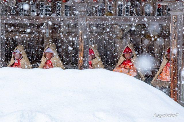 雪の中のお地蔵さん(野沢温泉)